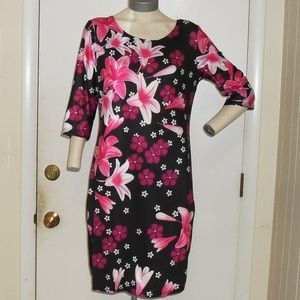 NWOT Black Floral Crew Neck Long sleeve Midi M